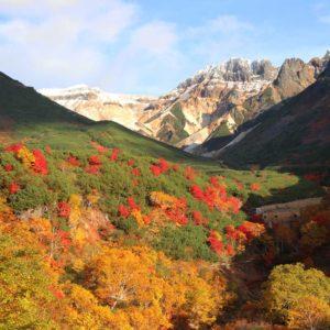 Tokachi-mountain-range-autumn